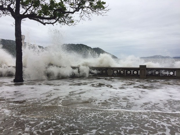 tsunami-5-ressaca-santos-01