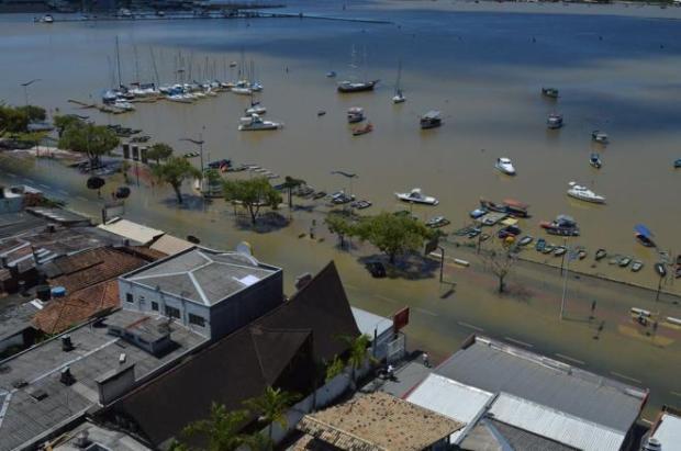 tsunami-7-ressaca-inundacao-itajai