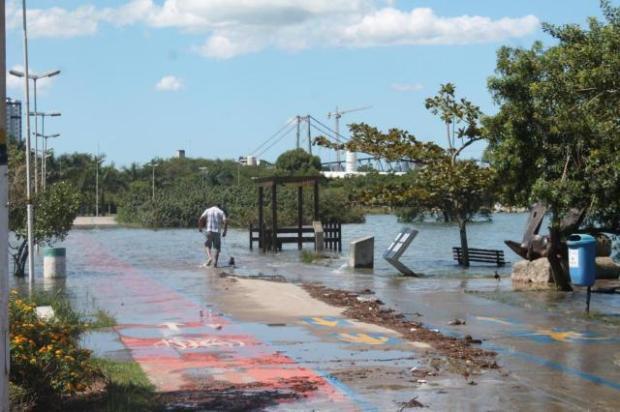 tsunami-9-ressaca-floripa-sc